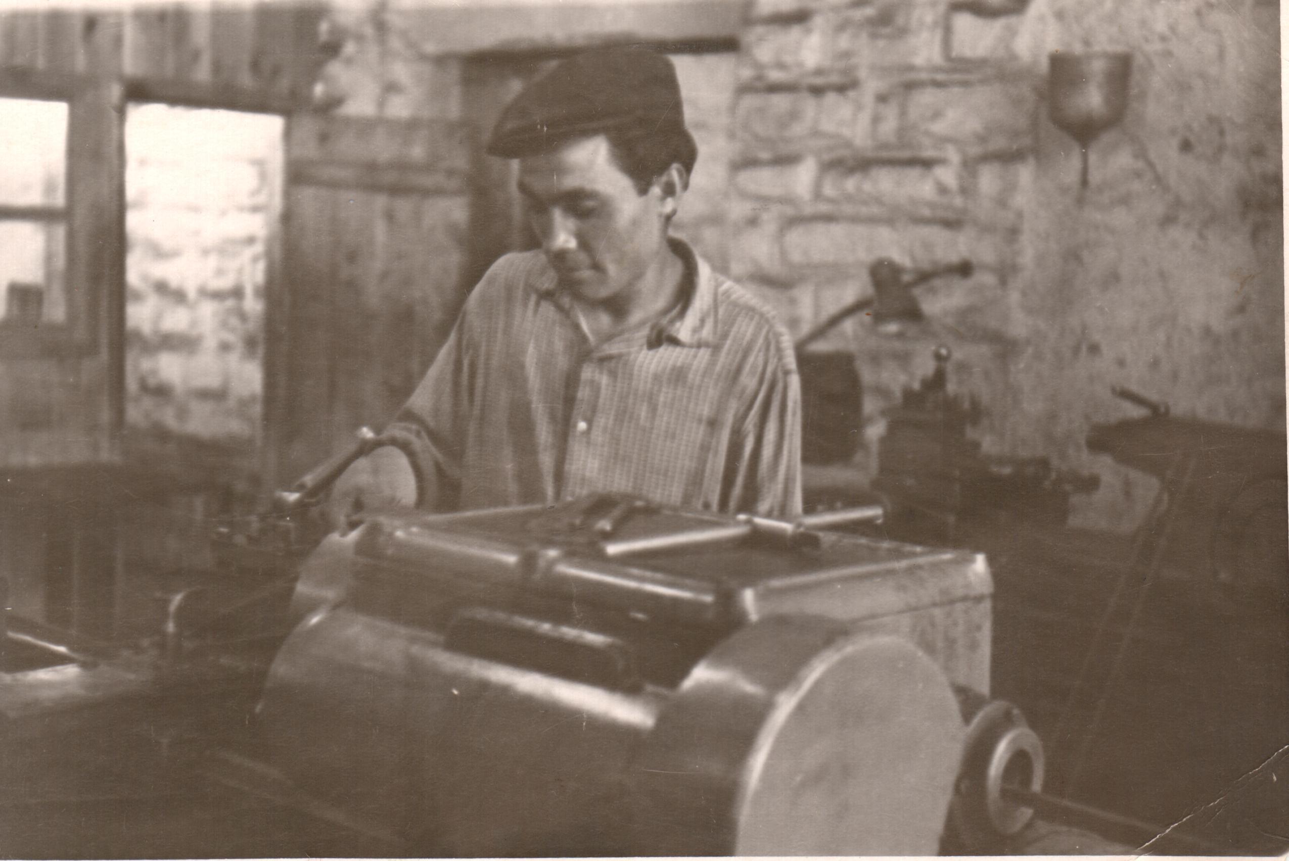Залилов Марат. Передовой токарь Сельхозтехники