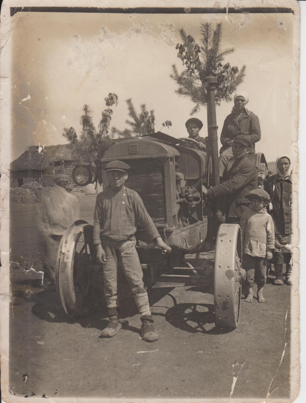 1939 первый тракторист садыков хуззятеислам (1)